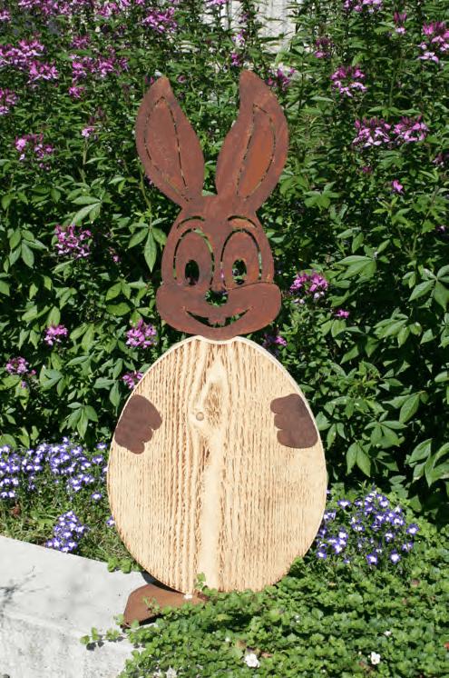 Hase mit Holzei - Osterdeko - Edelrost - Metallkunst