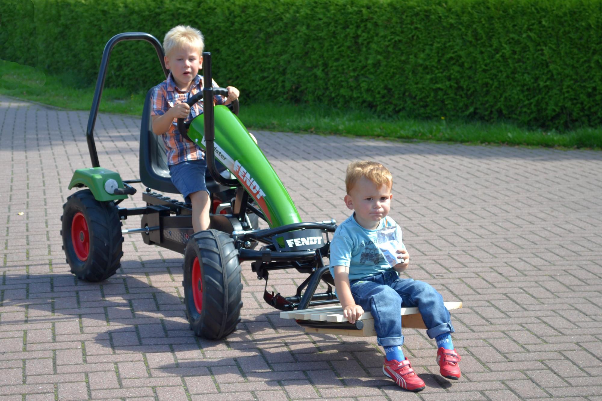 Dino Cars – von Fendt bis Renn-Go-Kart in Betzigau