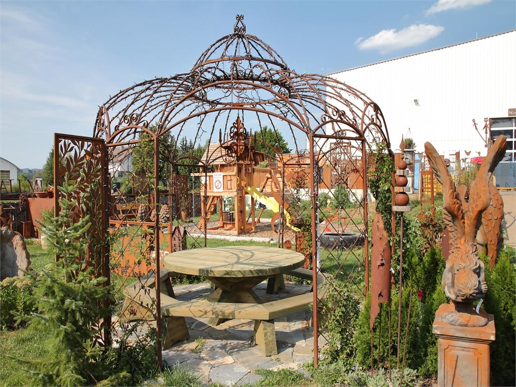 Rankpavillon - rostiger Garten Betzigau im Allgaeu